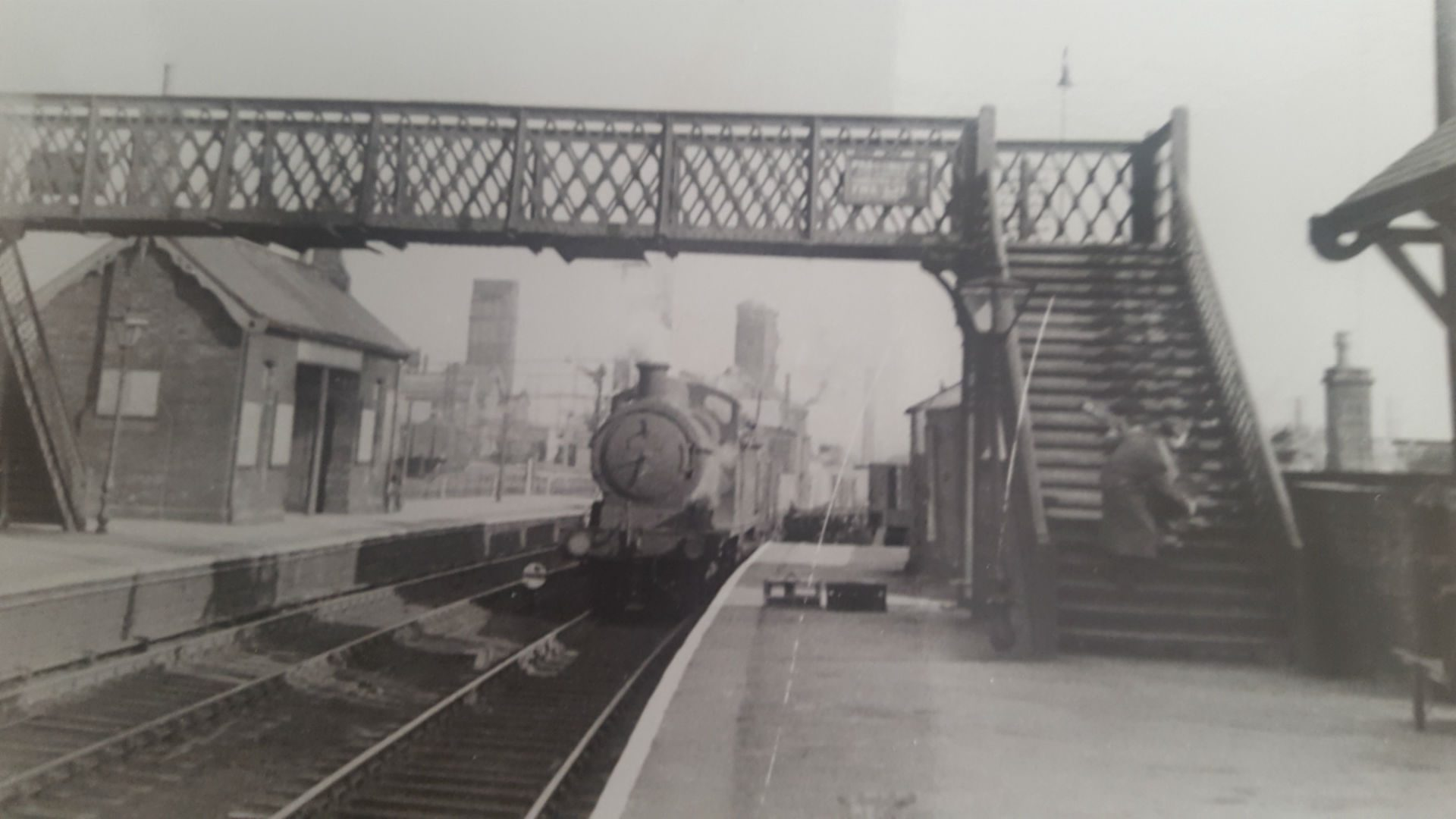 J 11 Coming through Stairfoot Station E