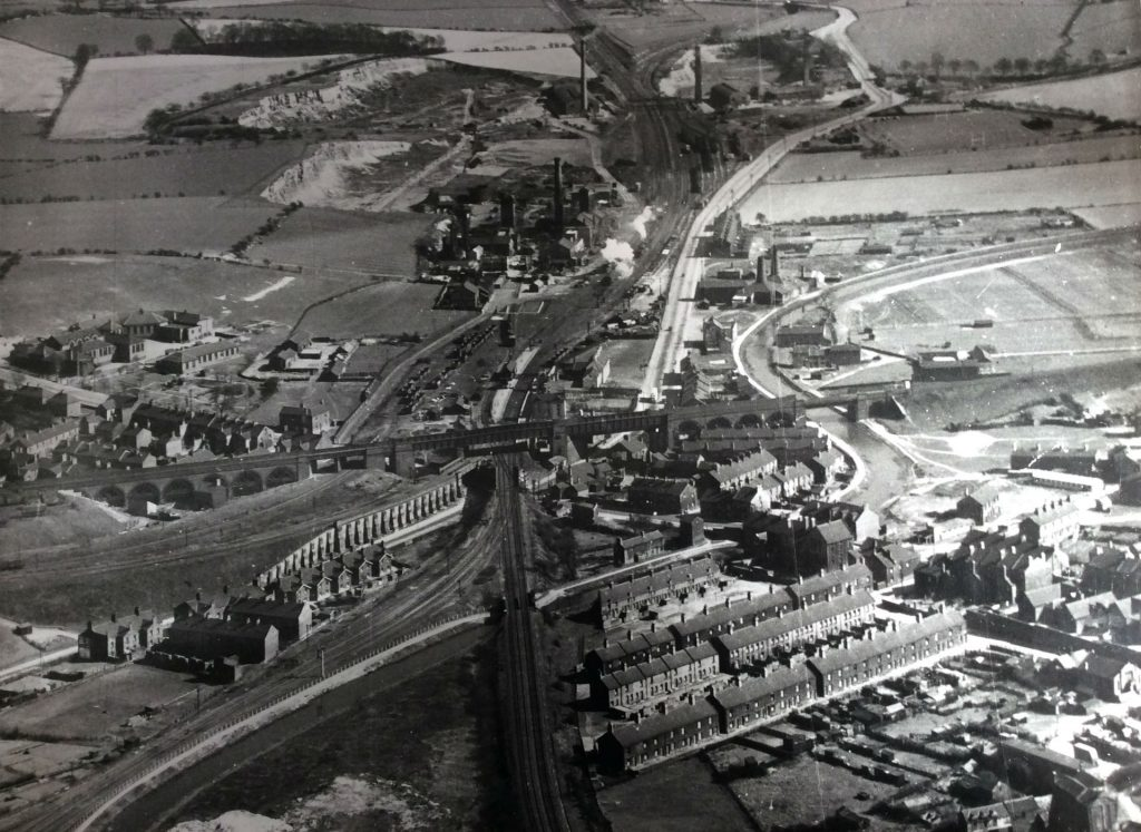 P1 Stairfoot and Ardsley Aerial Photo 1951 edit