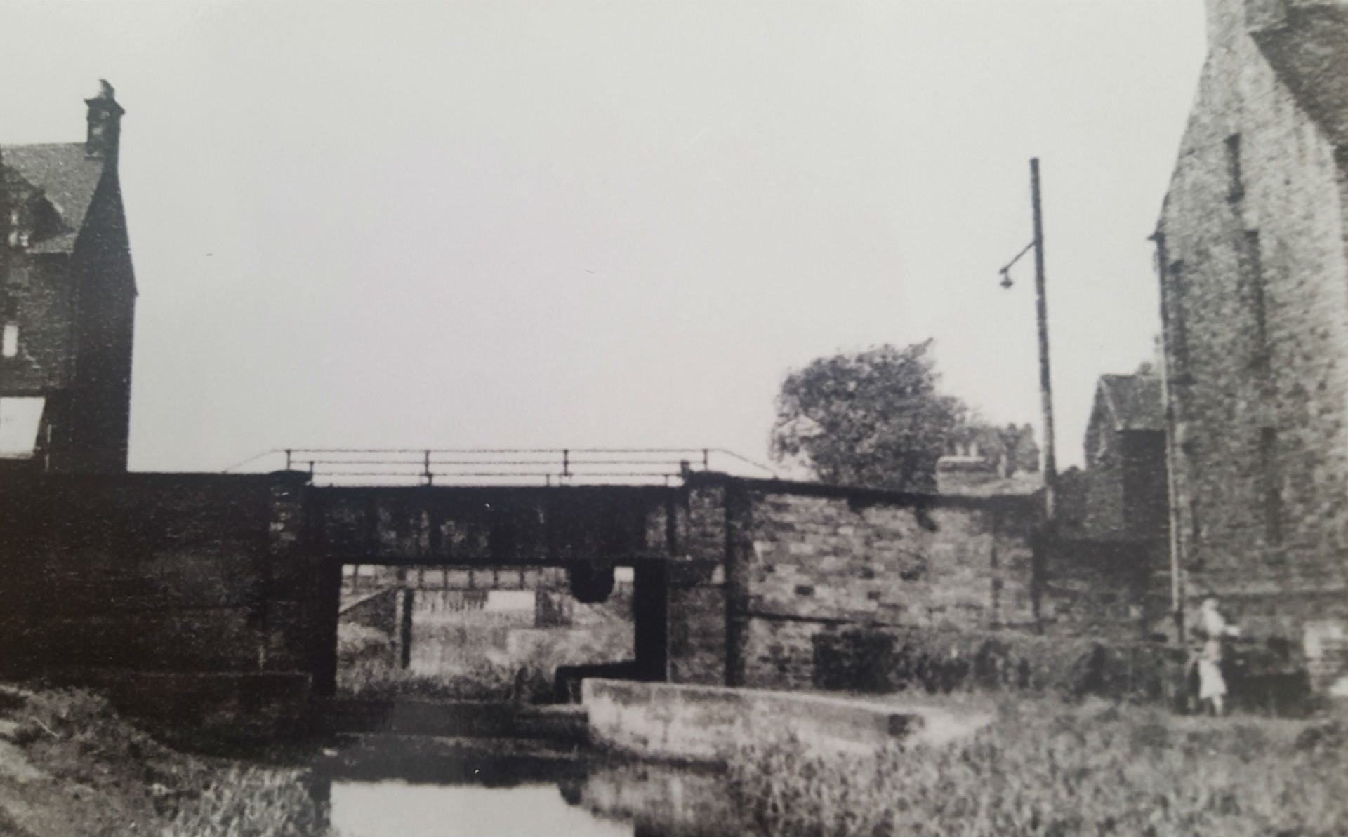 P4 A635 Road Bridge over Canal at Stairfoot edit