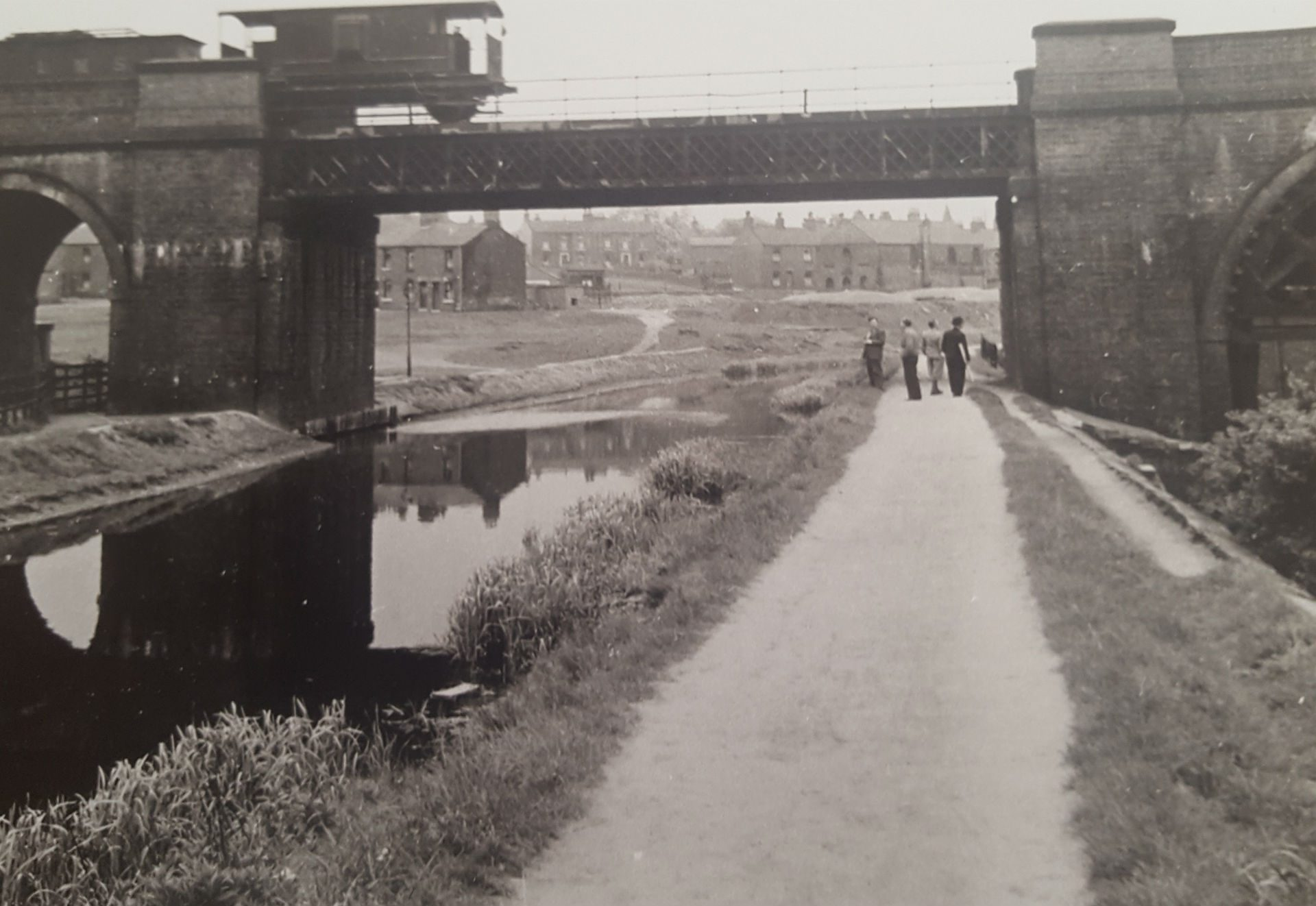 P5 Rail Bridge over Canal at Stairfoot