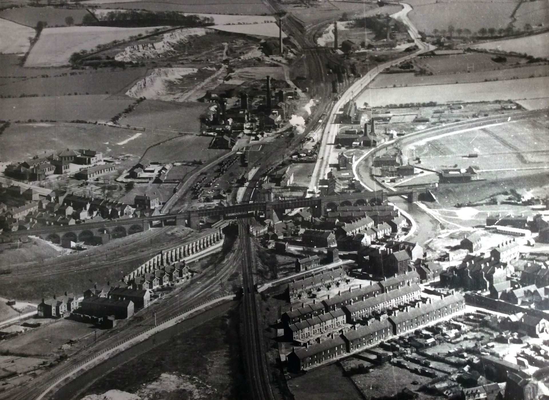 P1 Stairfoot and Ardsley Aerial Photo 1951